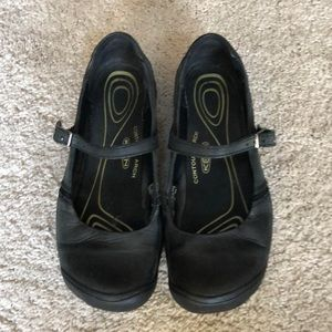 KEEN leather black shoes size US7